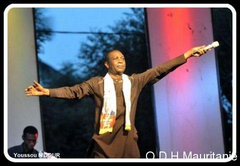 voir le zoom : Le chanteur Youssou Ndour le 17 mars 2012 à Ziguinchor, en Casamance